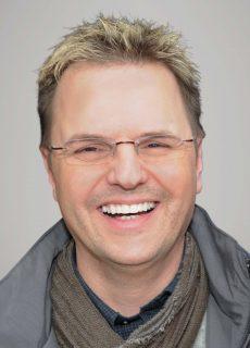 Tobias Schneegans_HGgrau_mail
